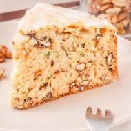 Ciasto z cukinią i orzechami