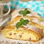 Rolada filo z serem i rodzynkami