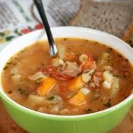 Zupa jarzynowa z pomidorami