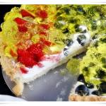 Tarta z truskawkami i borówkami z kremem mascarpone