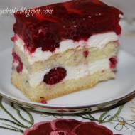 Ciasto biszkoptowe z malinami i bitą śmietaną