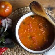 prosty sos pomidorowy ze świeżych pomidorów