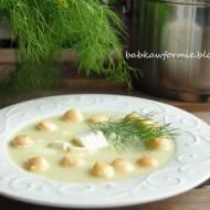 kremowa zupa ze świeżych ogórków