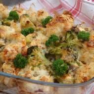 Brokuł i kalafior pod beszamelem i serem pleśniowym