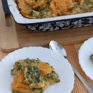 Bataty zapiekane z jarmużem w serowym sosie (wegańskie)