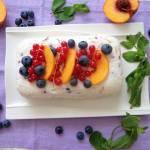 Blok śmietanowy z owocami i ricottą (Sformato di panna, ricotta e frutta)