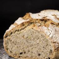Chleb drożdżowy z naczynia żaroodpornego