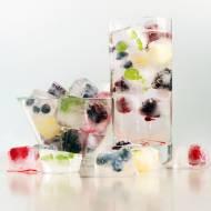 Kostki lodu z owocami