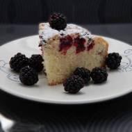 Ciasto ucierane z jeżynami