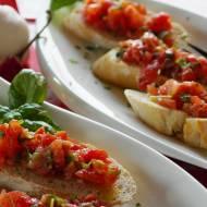 Jedzenie na imprezę, które będzie smakować każdemu? Spróbuj włoskich antipasti
