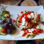Placki ziemniaczano-gryczane z tuńczykiem i warzywami