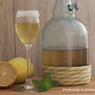 Limoncello, włoski likier cytrynowy