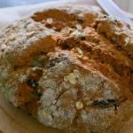 Pełnoziarnisty, pomidorowy chleb na sodzie
