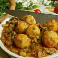 Fasolowe klopsiki w warzywach