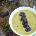 Zupa krem z groszku, cukinii i mleczka kokosowego