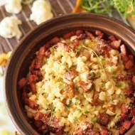 Kluseczki kalafiorowe z kurkami i sosem śmietanowo-serowym
