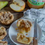 Mini placki z jabłkami, gruszką i cynamonową kruszonką