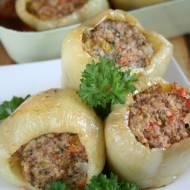 Papryka faszerowana mięsem z indyka i kaszą jaglaną