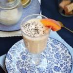 Koktajl brzoskwiniowy z kokosem i chia