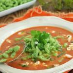 Pomidorowa z zielonymi kluseczkami