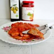 Bitki w sosie cebulowo pomidorowym