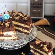 Czekoladowy tort z lodami