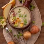 Zupa cebulowa z jabłkiem i boczkiem