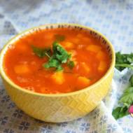 Pyszna zupa z dynią, ziemniakiem i soczewicą