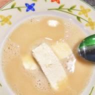 Zupa piwna z twarogiem