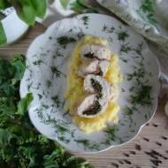 Piersi z kurczaka nadziewane szynką serrano i jarmużem