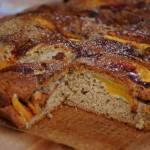 Szybkie i łatwe wegańskie ciasto z owocami