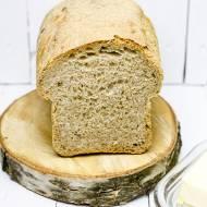 Chleb pełnoziarnisty z suszonymi pomidorami