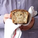 Chleb w stylu staropolskim z suszonymi śliwkami i orzechami