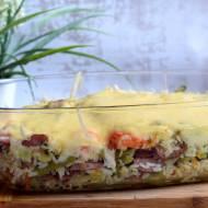 Zapiekanka ryżowa z kiełbasą i warzywami