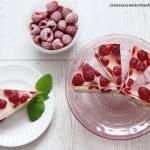 Jogurtowiec z malinami z jogurtów greckich