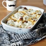 Zapiekanka makaronowa z mozzarellą i kiełbasą