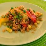 Sałatka z kuskusem, papryką i kukurydzą