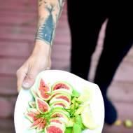 Sałatka z figą, awokado i serem mozarella