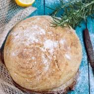 Chleb z rozmarynem i cytryna