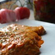 Duszony schab w sosie pomidorowym