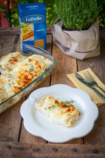 Rolowana lasagne z gorgonzolą, jarmużem i pieczarkami