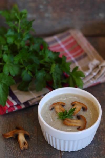 Zupa krem z pieczarek i topinamburu