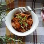 Żołądki z indyka w sosie pomidorowym