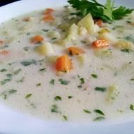 Zupa ogórkowa ze świeżych ogórków