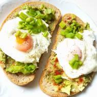 Czym zastąpić masło, jajka, ser? Roślinne (wegańskie) zamienniki znanych potraw i produktów