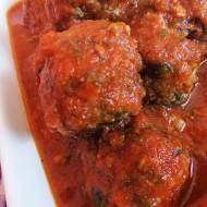 Klopsiki wołowe w pomidorowym sosie.
