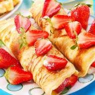 Naleśniki z truskawkami i serkiem mascarpone