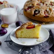 Szybkie ciasto migdałowe ze śliwkami