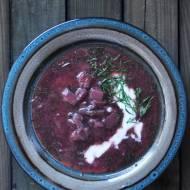 Zupa z czerwoną kapustą