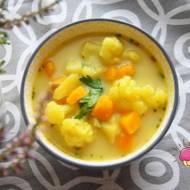 Zupa z dynią, kalafiorem, ziemniakiem i kurkumą
